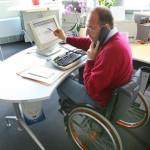 Rollstuhlfahrer im Beruf: Weiterbildungsmaßnahmen für Behinderte