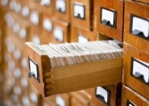 Zettelkasten zum Recherchieren in einer Bibliothek